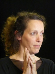 Estelle Savasta, auteur de la pièce Traversée